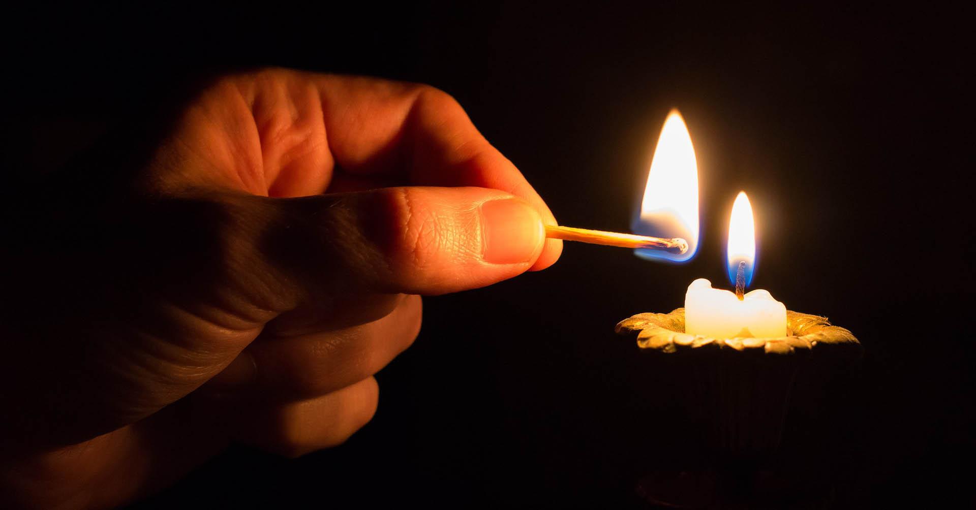Die Kerze am Fenster. Mein Weg zu Selbstliebe und in ein erfülltes Leben